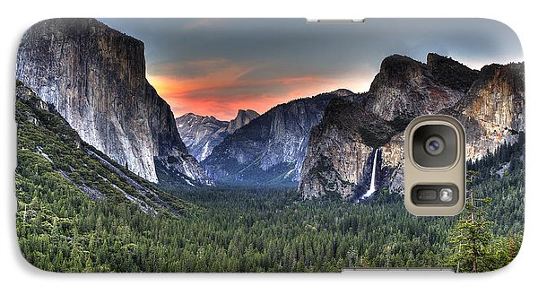 Galaxy Case featuring the photograph Yosemite Valley View Sunset by Shawn Everhart