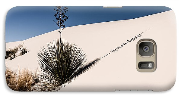Galaxy Case featuring the photograph Yucca In The Sand II by Sherry Davis