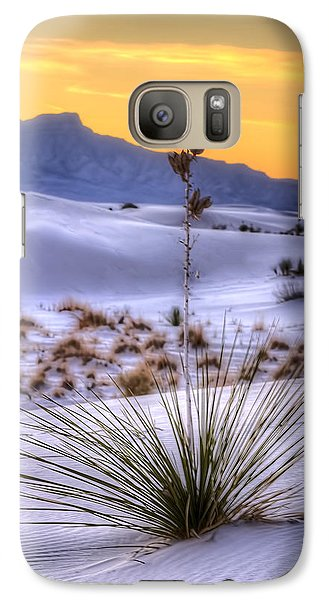 Galaxy Case featuring the photograph Yucca On White Sand by Kristal Kraft