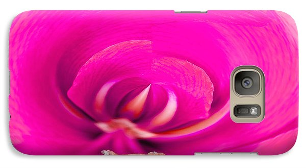 Galaxy Case featuring the photograph Amaryliss Close-up by Les Palenik