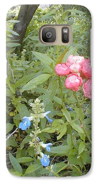 Galaxy Case featuring the photograph Antique Rose by Vonda Lawson-Rosa