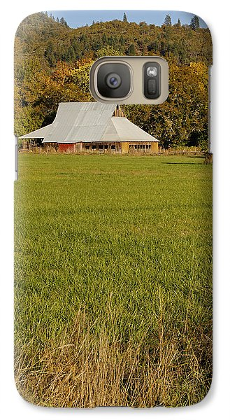 Galaxy Case featuring the photograph Barn Near Murphy by Mick Anderson