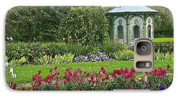 Galaxy Case featuring the photograph Beautiful Garden by Cindy Haggerty