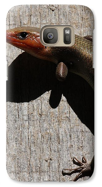 Galaxy Case featuring the photograph Broad-headed Skink On Barn  by Daniel Reed