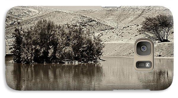 Galaxy Case featuring the photograph Lake Yeruham by Arik Baltinester