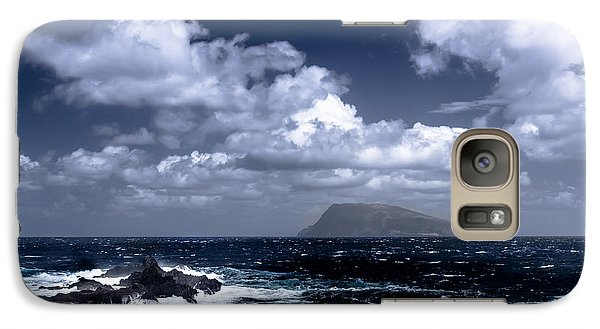 Galaxy Case featuring the photograph Land In Sight by Edgar Laureano