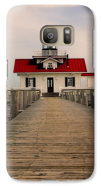 Galaxy Case featuring the photograph Manteo Lighthouse by Cindy Haggerty