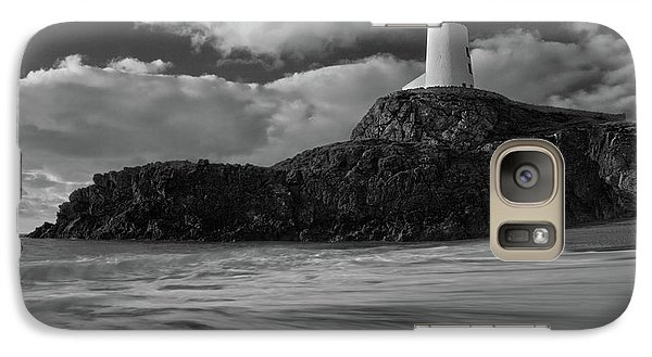 Galaxy Case featuring the photograph Niwbwrch Lighthouse by Beverly Cash