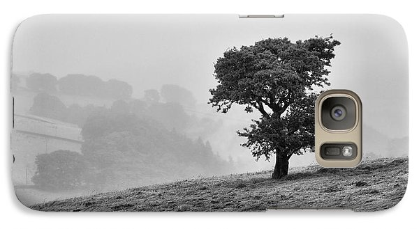 Oak Tree In The Mist. Galaxy S7 Case by Clare Bambers