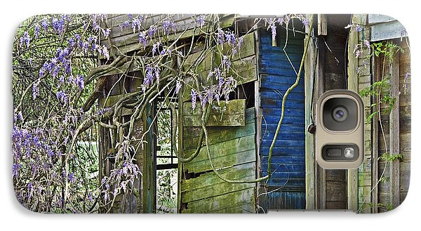 Galaxy Case featuring the photograph Old Abandoned House by Susan Leggett