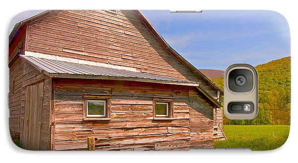 Galaxy Case featuring the photograph Old Barn In The Valley by Nancy De Flon