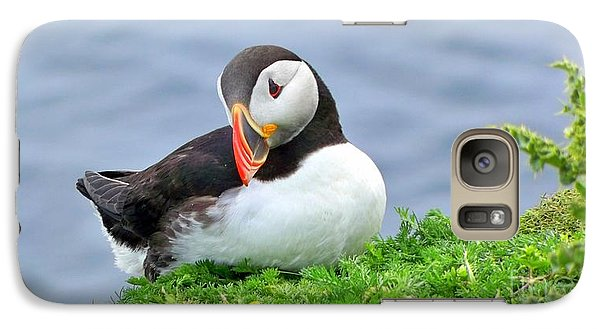 Galaxy Case featuring the photograph Puffin by Lynn Bolt