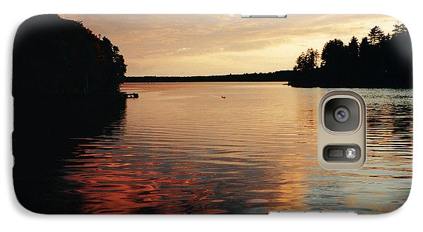 Galaxy Case featuring the photograph Setting Sun by Patricia Hiltz