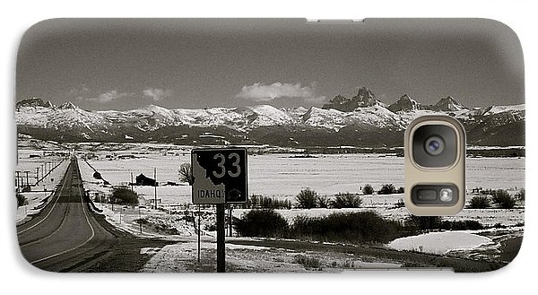 Galaxy Case featuring the photograph The Road Home by Eric Tressler