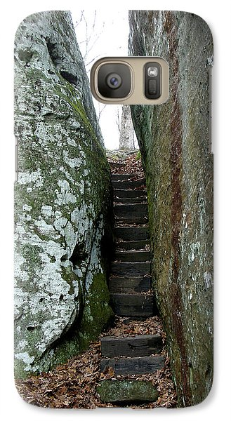 Galaxy Case featuring the photograph Through The Crack by Paul Mashburn