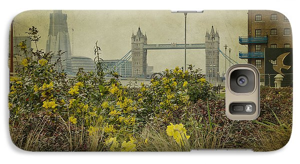 Tower Bridge In Springtime. Galaxy S7 Case by Clare Bambers