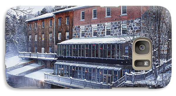 Galaxy Case featuring the photograph Wakefield Inn by Eunice Gibb