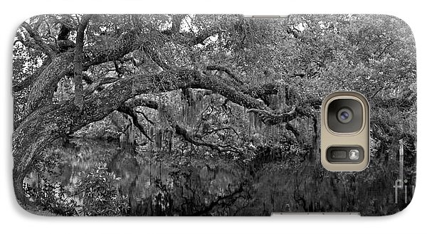 Galaxy Case featuring the photograph White City Oak Pano by Larry Nieland
