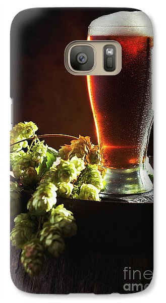Beer And Hops On Barrel Galaxy S7 Case by Amanda Elwell