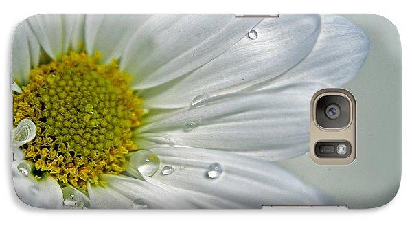 Galaxy Case featuring the photograph Daisy by Elsa Marie Santoro