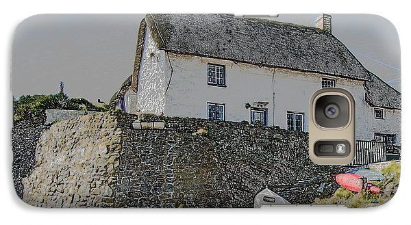 Galaxy Case featuring the photograph Fishermans Cottage by Brian Roscorla