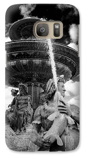 Galaxy Case featuring the photograph Place De La Concorde Fountain by Heidi Hermes