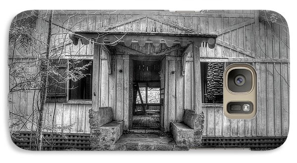Galaxy Case featuring the photograph This Old House by Mike Eingle