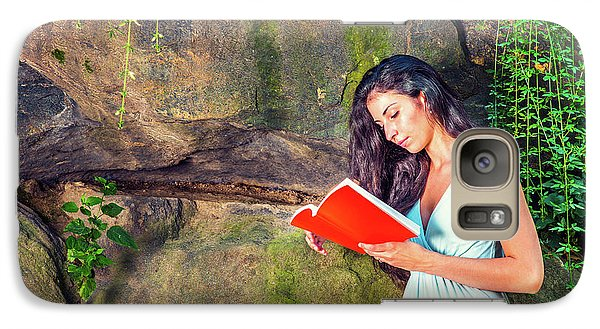 Young American Woman Reading Book At Central Park, New York, In  Galaxy S7 Case
