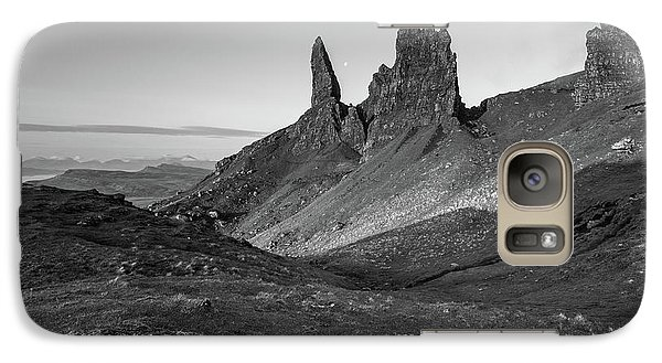 Galaxy Case featuring the photograph Old Man Of Storr by Davorin Mance