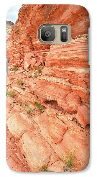 Galaxy Case featuring the photograph Sandstone Wall In Valley Of Fire by Ray Mathis