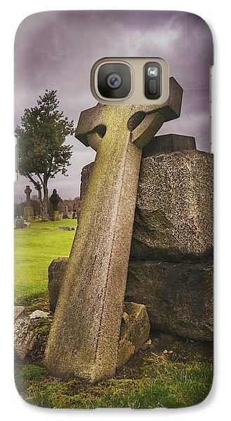 Galaxy Case featuring the photograph A Celtic Cross In Glasgow Scotland by Carol Japp