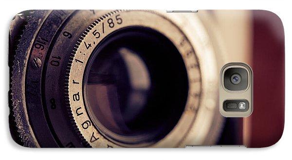 Galaxy Case featuring the photograph An Old Friend by Yvette Van Teeffelen