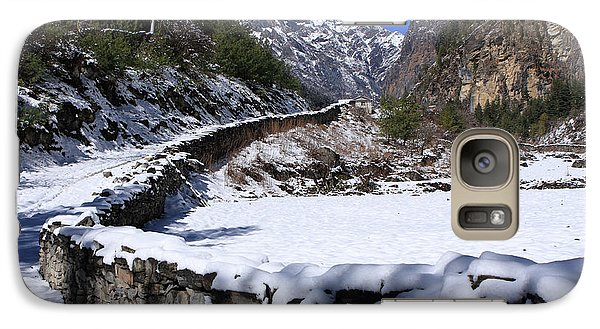Galaxy Case featuring the photograph Annapurna Circuit Trail by Aidan Moran
