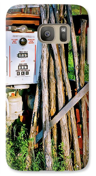 Galaxy Case featuring the photograph Antique Gas Pump by Linda Unger