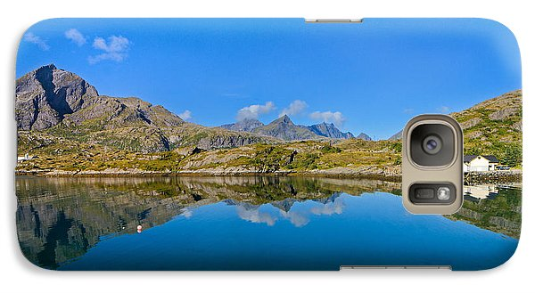 Galaxy Case featuring the photograph Arctic Reflections by Maciej Markiewicz