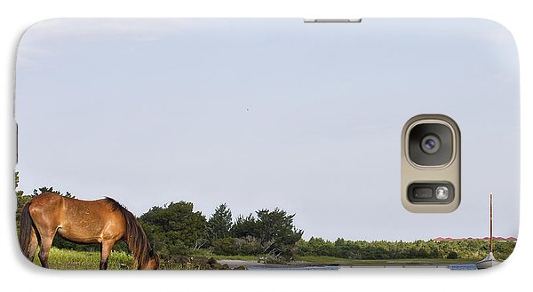 Galaxy Case featuring the photograph Banker Horse Along Taylors Creek by Bob Decker