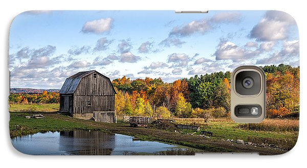 Galaxy Case featuring the photograph Barn In Autumn by Mark Papke