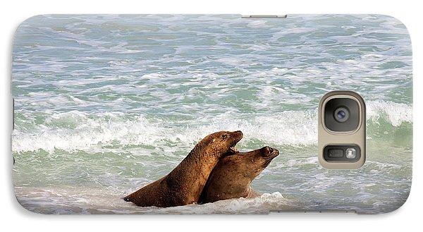 Kangaroo Galaxy S7 Case - Battle For The Beach by Mike  Dawson