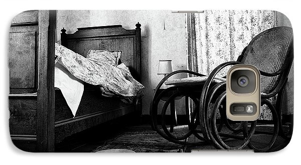 Galaxy Case featuring the photograph Bed Room Rocking Chair - Abandoned Building Bw by Dirk Ercken