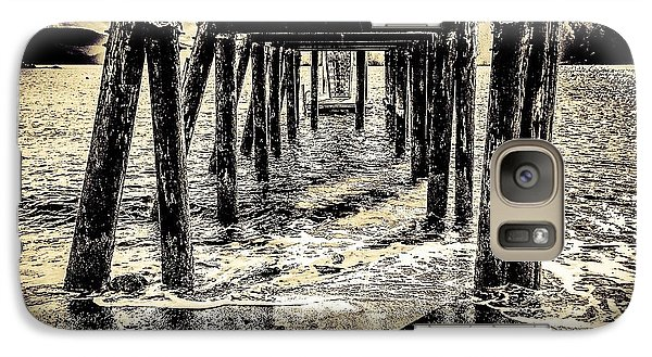 Galaxy Case featuring the photograph Beneath by William Wyckoff