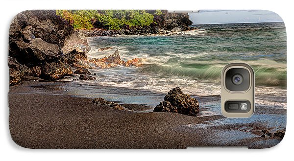 Galaxy Case featuring the photograph Black Sand Beach Maui by Shawn Everhart