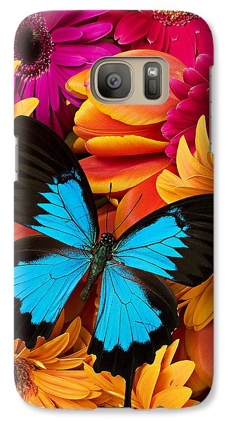 Blue Butterfly On Brightly Colored Flowers Galaxy S7 Case by Garry Gay