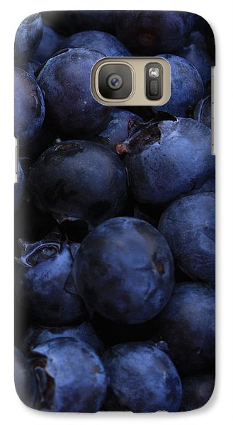Blueberries Close-up - Vertical Galaxy S7 Case by Carol Groenen