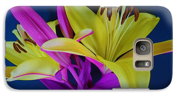 Galaxy Case featuring the photograph Bold Beautiful Flowers by Ray Shrewsberry