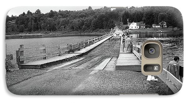 Galaxy Case featuring the photograph Brookfield, Vt - Floating Bridge 5 Bw by Frank Romeo