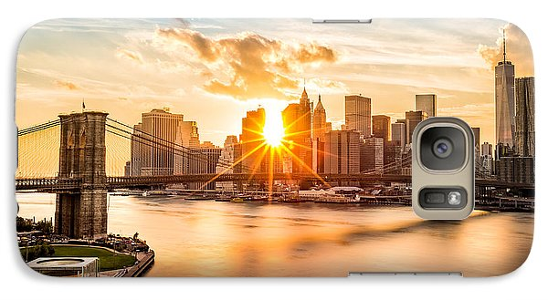 Brooklyn Bridge And The Lower Manhattan Skyline At Sunset Galaxy S7 Case