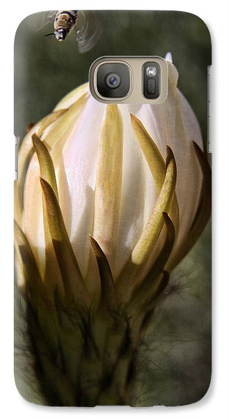 Galaxy Case featuring the photograph Buzzz by Tammy Espino