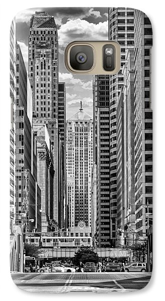 Galaxy S7 Case featuring the photograph Chicago Lasalle Street Black And White by Christopher Arndt