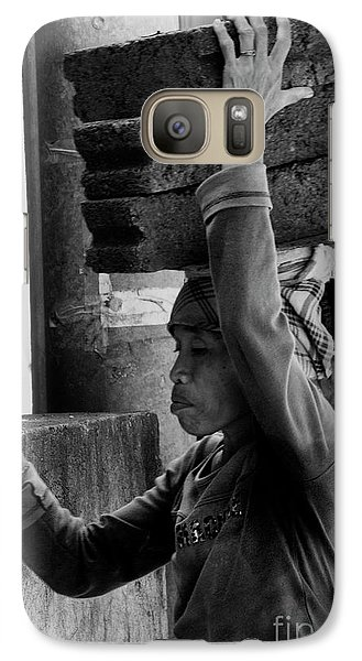 Galaxy Case featuring the photograph Construction Labourer - Bw by Werner Padarin
