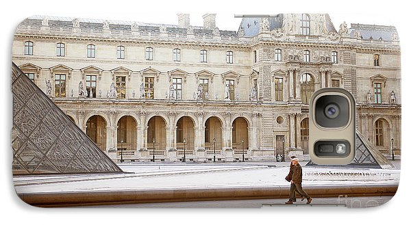 Galaxy Case featuring the photograph Couple Strolling At Louvre Museum  by Ivy Ho
